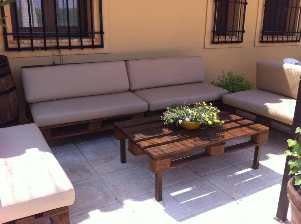 Muebles palets multihogar alicante for Muebles de terraza con palets